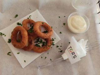 Onion rings + beli Tor`s sos Tors dostava