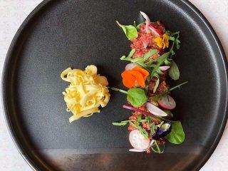 Tatar biftek sa aromatičnim puterom Diana Restoran dostava