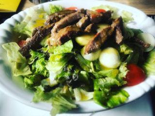 Biftek salata Godo Splav Restoran dostava