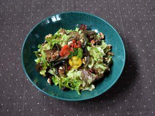 Salata plavi paradajz Minagonija dostava
