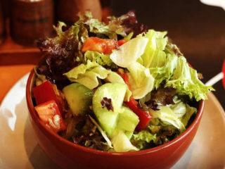 Sezonska salata Godo Splav Restoran dostava