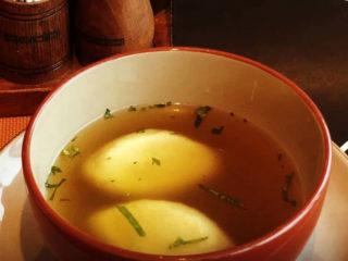 Bistra supa sa knedlama Godo Splav Restoran dostava