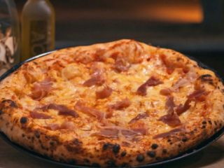 Bavarese Napolitana Pizza dostava