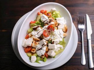 Caciki salata dostava