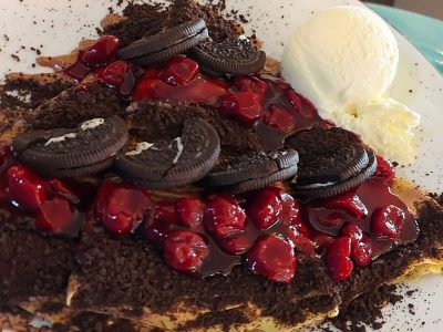 Pancake bueno cream, oreo biscuits and cherries Dolce delivery