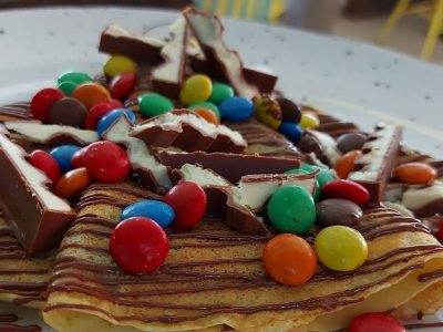 Pancake nutella, m and m candy, crumbled cookie Dolce delivery