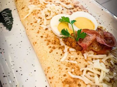Pancake with njeguski prosciutto, cheese and mushroom cream Dolce delivery