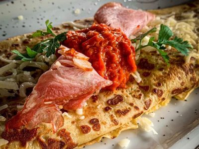 Pancake with smoked neck, cheese, ajvar and lettuce Dolce delivery