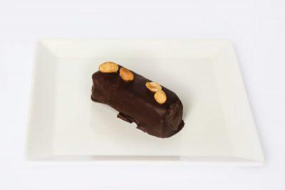 Raw snickers sa crnom čokoladom Fit Bar Nušićeva dostava