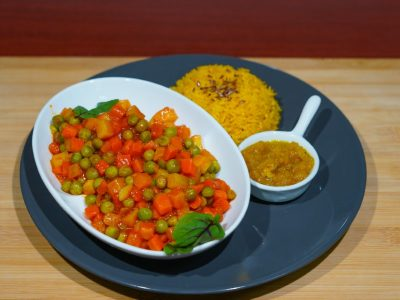 Aloo mater (potatoes and peas) Vege House delivery