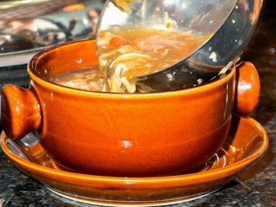 3. Kiselo ljuta supa New Hong Kong dostava