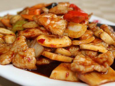 42. Svinjetina u ljutom sečuan sosu New Hong Kong dostava